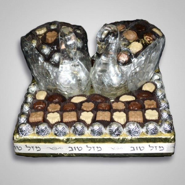 Buy Chocolate Gift Basket For Wedding And Engagement Online