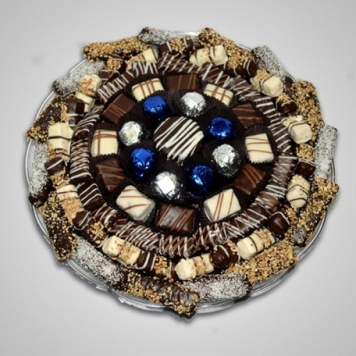 Lavish Round Plastic Tray Filled With Chocolates - Chocolate.org