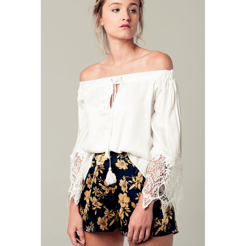 Off shoulder blouse in white with lace detail