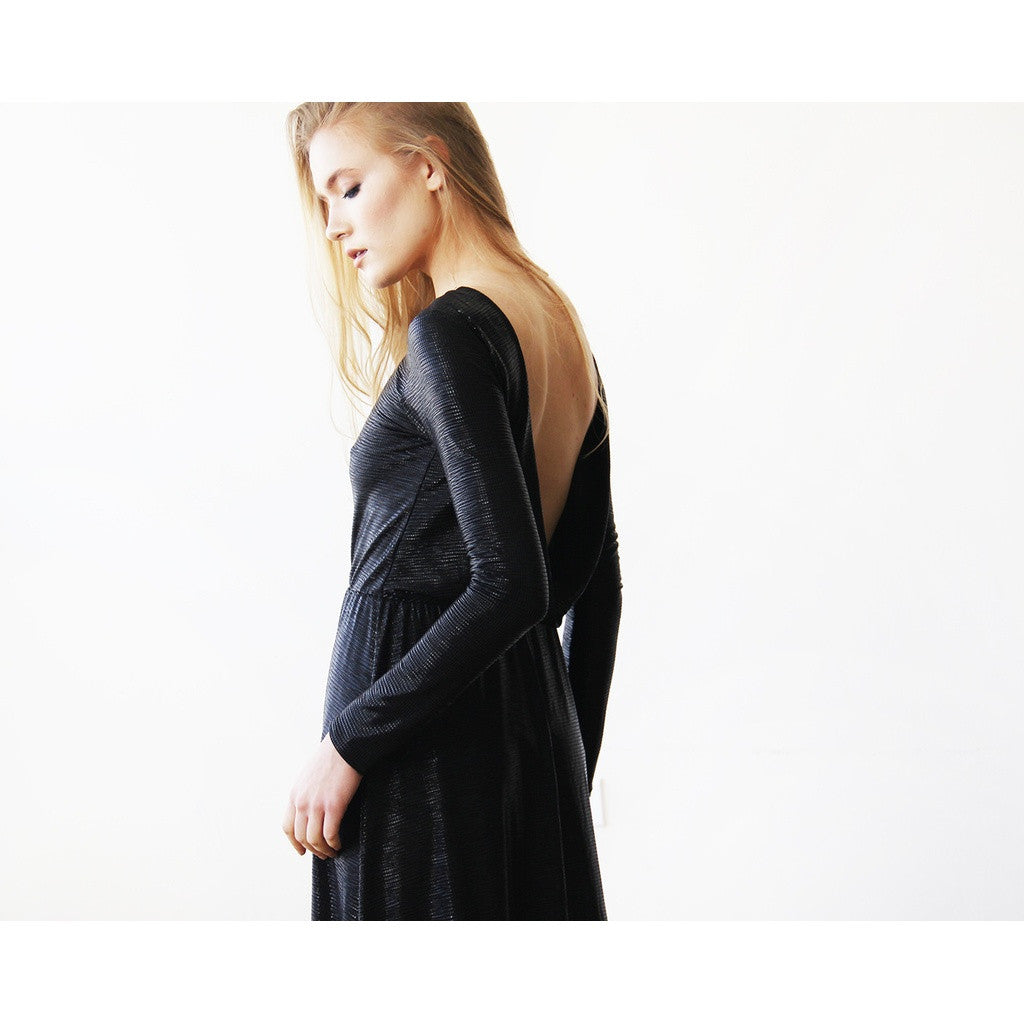 Metallic Black Backless Maxi Dress with long sleeves 1097