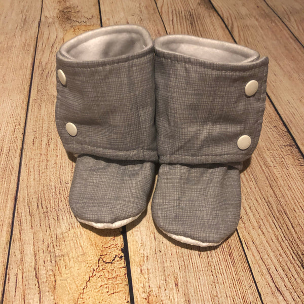 Size 6 Grey Sketch Booties