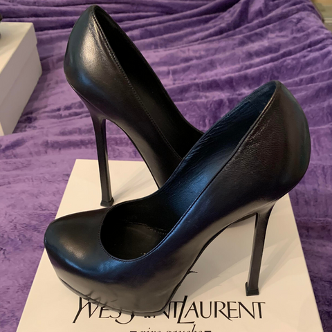 YSL Black Pumps