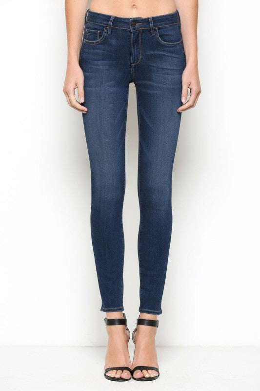 Amy Mid Rise Skinny Jean