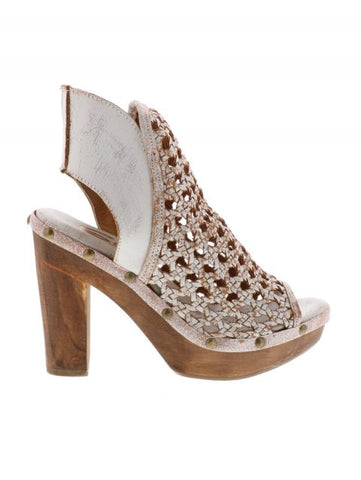 """Rayna"" White Wedge"