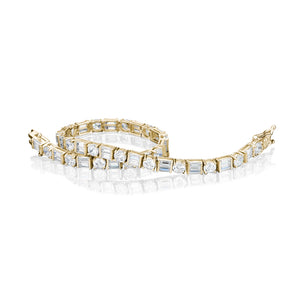 Contemporary Tennis Bracelet in Yellow Gold