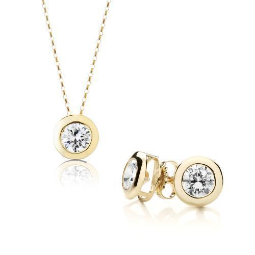 Round Brilliant Bezel Gift Set in Yellow Gold