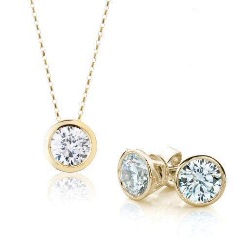 Round Brilliant Fine Bezel Gift Set in Yellow Gold
