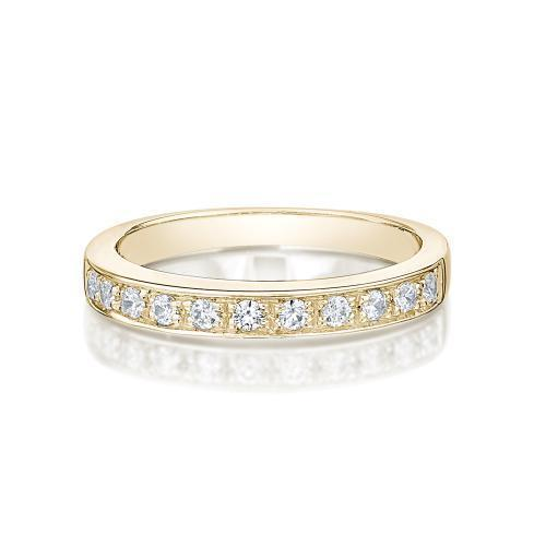 Round Brilliant Grain Set Ring in Yellow Gold