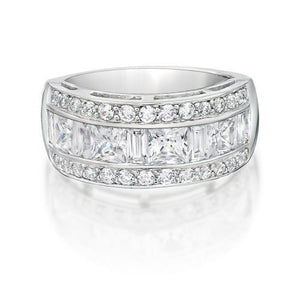 Contemporary Princess and Round Brilliant Ring in White Gold
