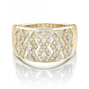 Round Brilliant Chevron Design Ring in Yellow Gold