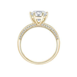 Round Brilliant Cut Knife Edge Engagement Ring and Band Set in Yellow Gold