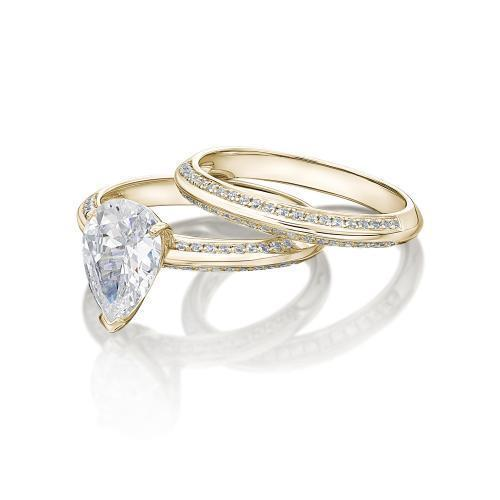 Pear Cut Knife Edge Engagement Ring and Band Set in Yellow Gold