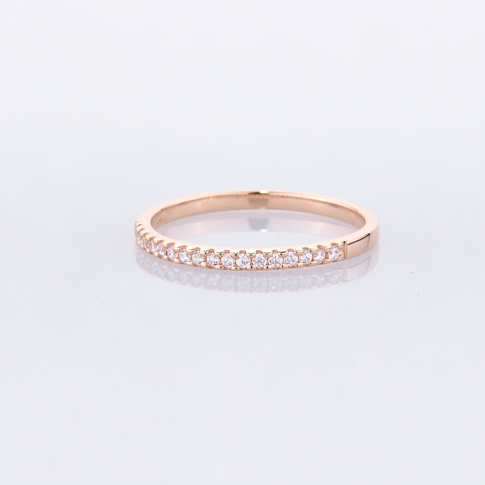 Round Brilliant Cut Wedding Band in Rose Gold