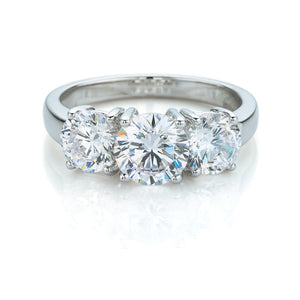 Round Brilliant 3 Stone Ring in White Gold