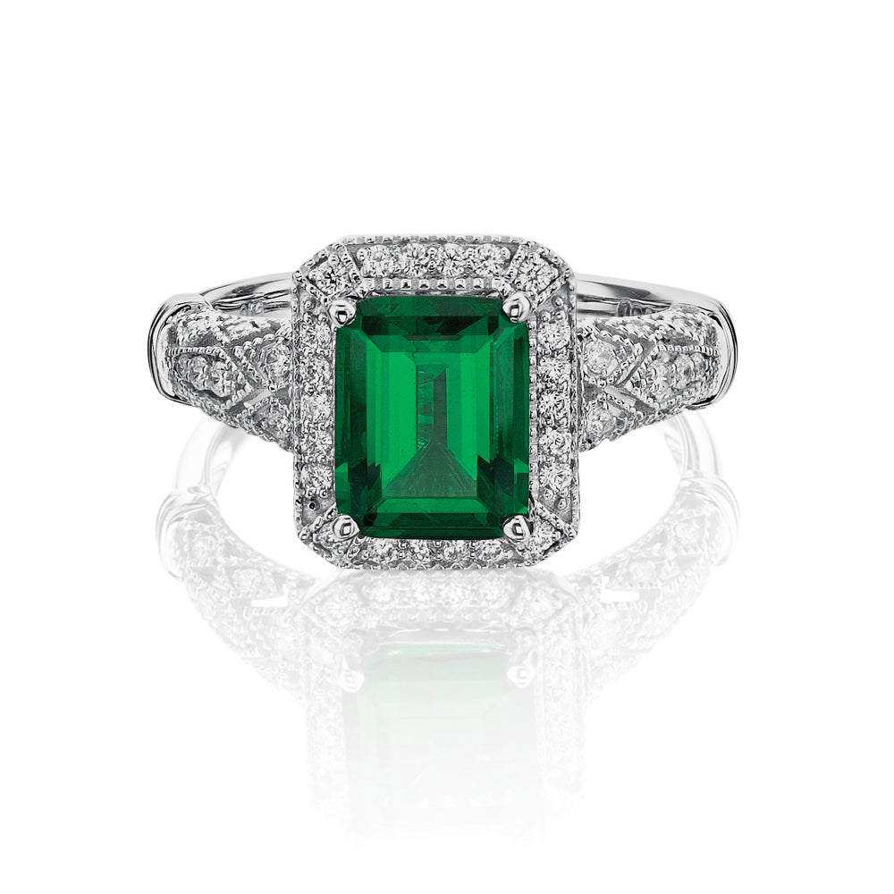 Emerald Cut Vintage Style Ring in White Gold - Emerald Colour