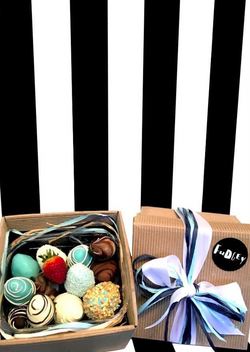 Fudgey Gourmet Blue Chocolate Dipped Strawberry Gift Hamper