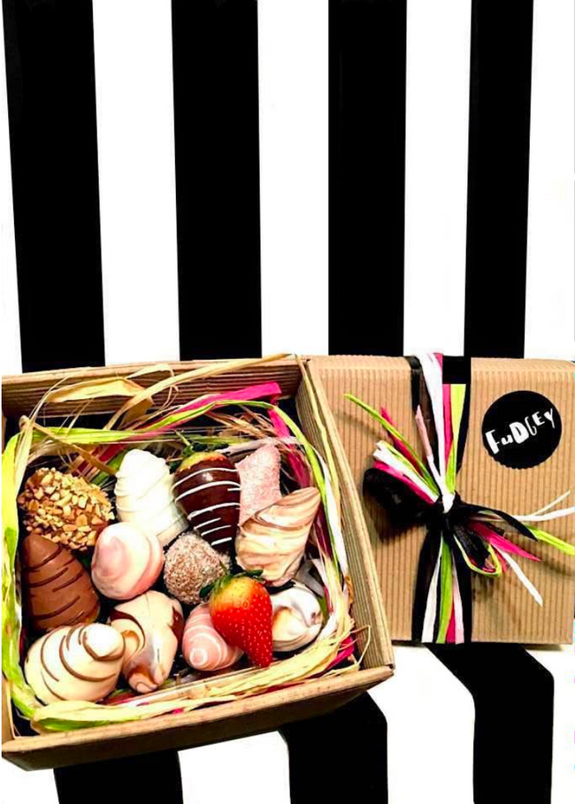 Fudgey Gourmet Chocolate Dipped Strawberry Gift Hamper