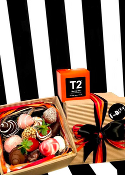 Fudgey Gourmet Chocolate Dipped Strawberry Gift Hamper & T2 Black Tea