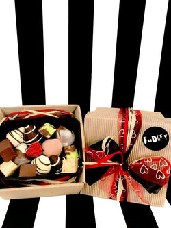 Fudgey Chocolate Dipped Strawberry & Fudge Gift Hamper