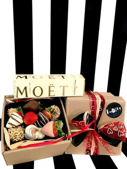 Fudgey Gourmet Chocolate Dipped Strawberry Gift Hamper & MOËT Champagne