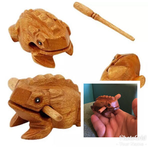 VINTAGE WOODEN FROG TOY MUSICAL INSTRUMENT CROAKING SOUND