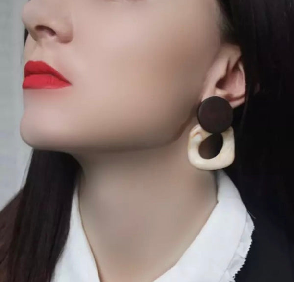 Wood and resin retro earrings