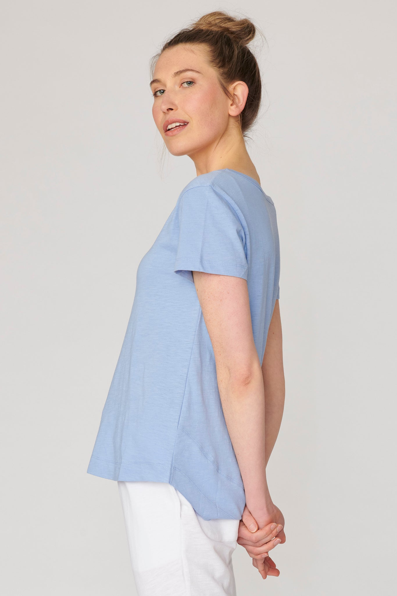 Lulu Organic Cotton Essentials - Melrose V Neck Tee Robot Blue