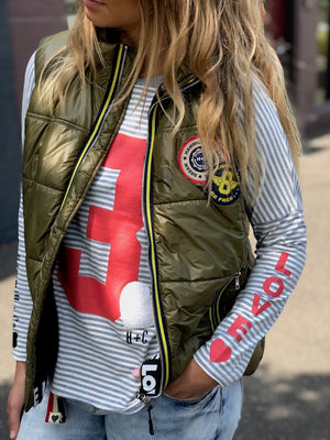 CAT HAMMILL RETRO PUFFER VEST IN KHAKI