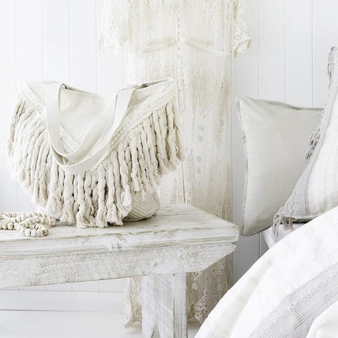 CANVAS & SASSON BEACH TASSEL