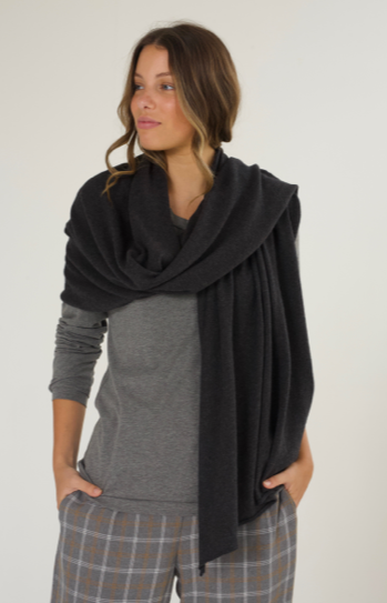 Z & P TRAVEL SHAWL