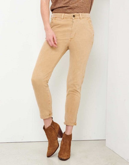REIKO CHINO TROUSERS SANDY TAPERED - BEIGE