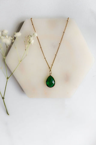 DIY bohemian and popular delicate layering necklace sets in gold, popular 2021 jewelry trends mid emerald green semi precious gemstone necklace