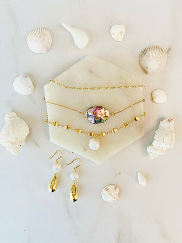 DIY layering necklace sets in gold, pearl and abalone, popular 2021 jewelry trends