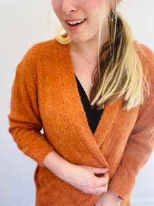 Knit Long Sleeve Cardigan in Rust With Pockets