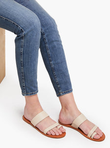 Margarete Sandal in Bone