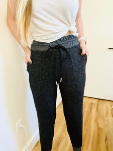 Soft & Cozy Joggers in Black
