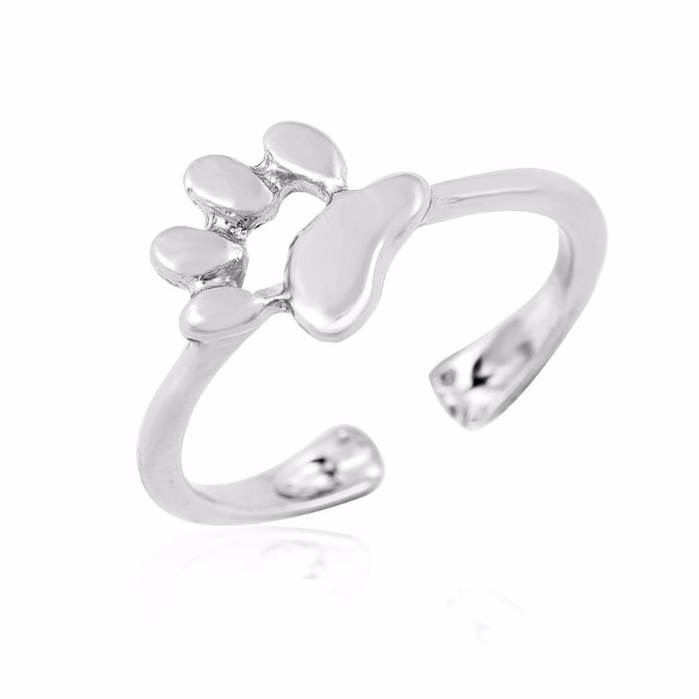 This paw print ring features a beautiful silver finish and an adjustable band that makes it a great cat ring jewelry gift for cat lovers!