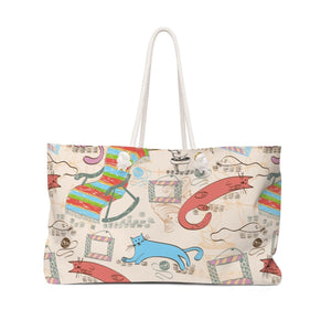 This bag with cats on it is perfect for a long weekend and is decorated with a unique colorful cat print.