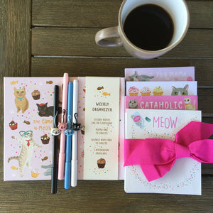 Unique Cat Themed Gift Set for Cat Lovers Featuring 4 Cat Notepads Cat Pens and a Cat Daily Planner