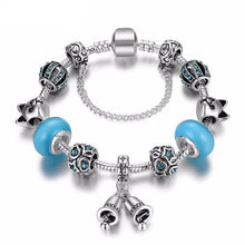 Load image into Gallery viewer, This cat charms bracelet features cat shaped beads and is one of our favorite personal gifts for cat lovers.