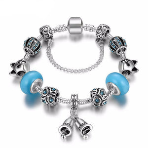 This cat charms bracelet features cat shaped beads and is one of our favorite personal gifts for cat lovers.
