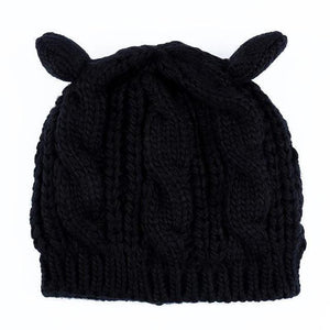 Warm and cozy, this cute cat hat also makes for a great gift for a cat lover.