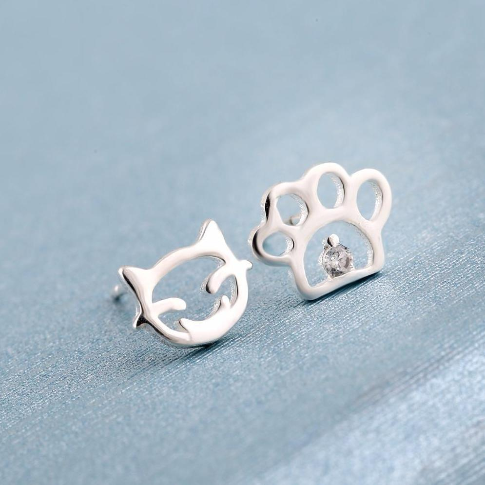 For a paw print jewelry you'll wear every day, pick up these adorable silver cat face and paw print earrings.