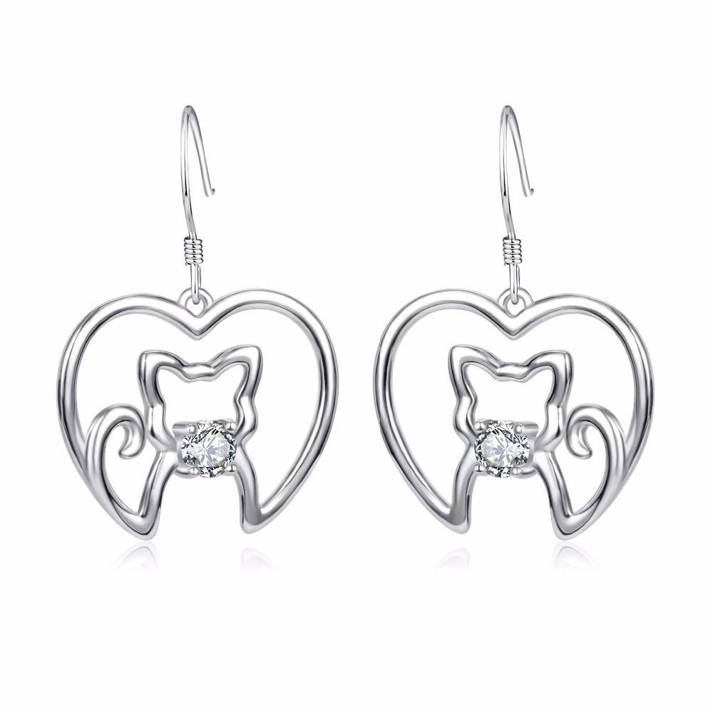 Refresh your jewelry cat collection with these beautiful sterling silver cat earrings.