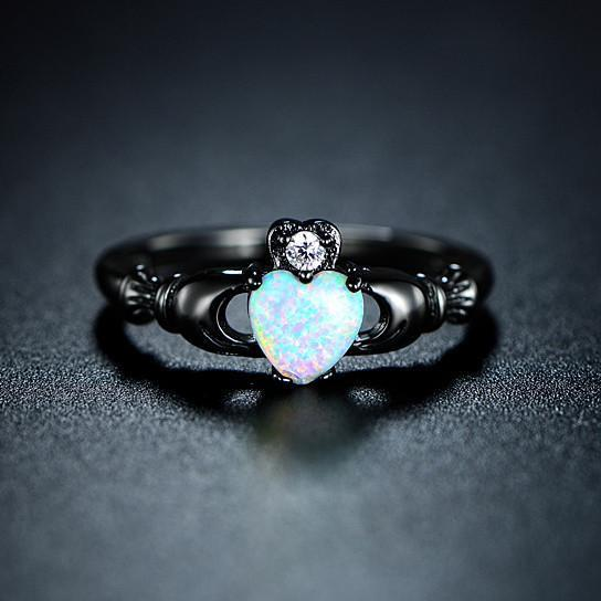 Anello di ottobre Birthstone Darkness, Opal, Black Gold Filled, Heart of Opal - Splendor Chic