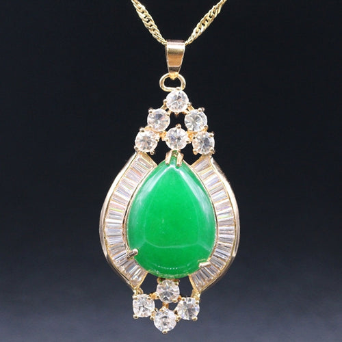 May Birthstone Collier, jade larme et charme zircon cubique - Splendor Chic