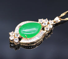 Collar May Birthstone, Teardrop Jade y Cubic Zirconia Charm - Splendor Chic