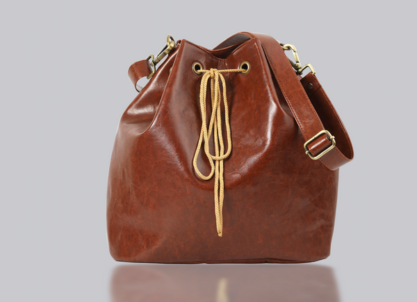 Basic Bucket Bag in Vegan Leather