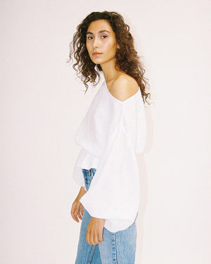 Load image into Gallery viewer, Anna Frill Blouse / White Linen