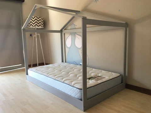 House frame bed